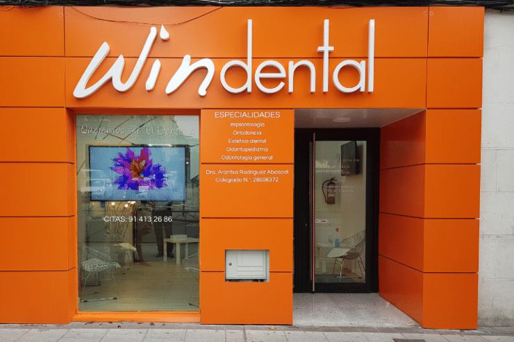 clinica dental Lopez de Hoyos